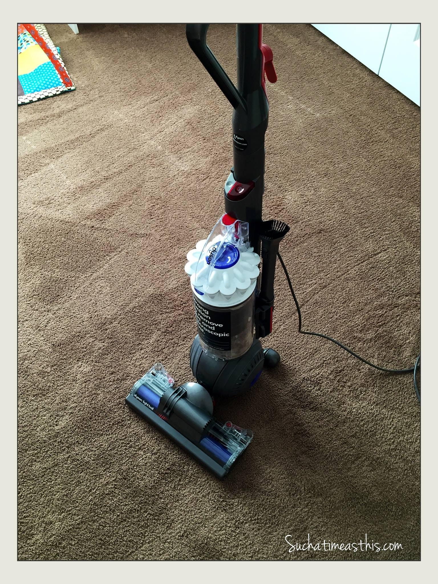 Dyson Light Ball Vacuum Review